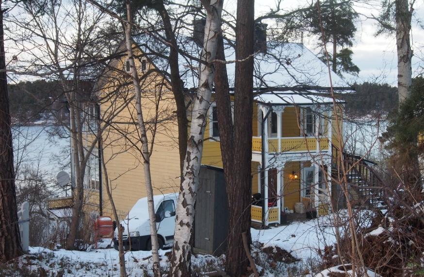 Fromhetens gula hus i Mälarhöjden